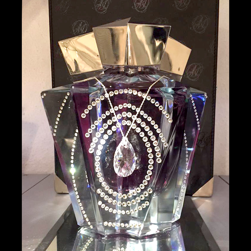 Thierry Mugler Angel Perfume Collector's Limited Edition Bottle 2009 Swarovski Pendant Crystal Collector Superstar Palace Collection Box