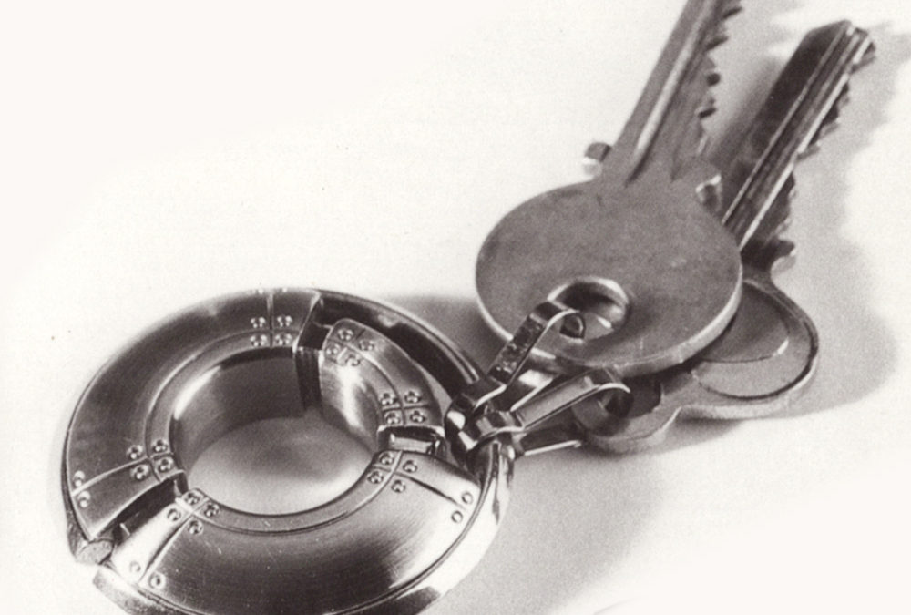 Tiffany & Co. Streamerica Porthole Key Ring