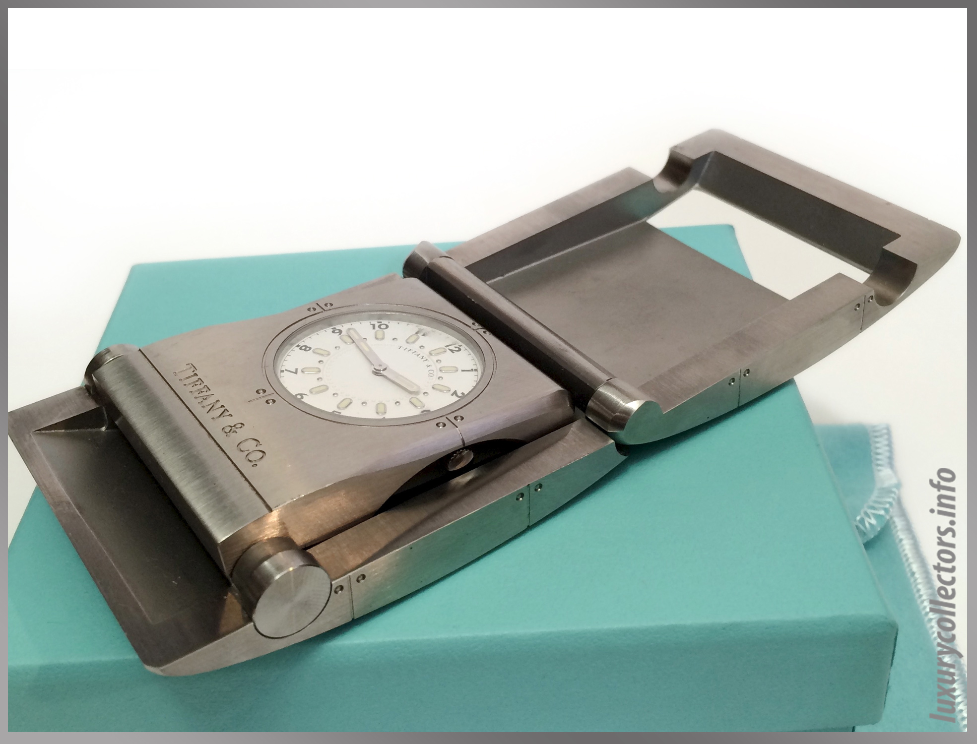 Tiffany & and Co. Streamerica Stainless Steel Metrozone Travel Alarm Clock Time Desk Openned inside