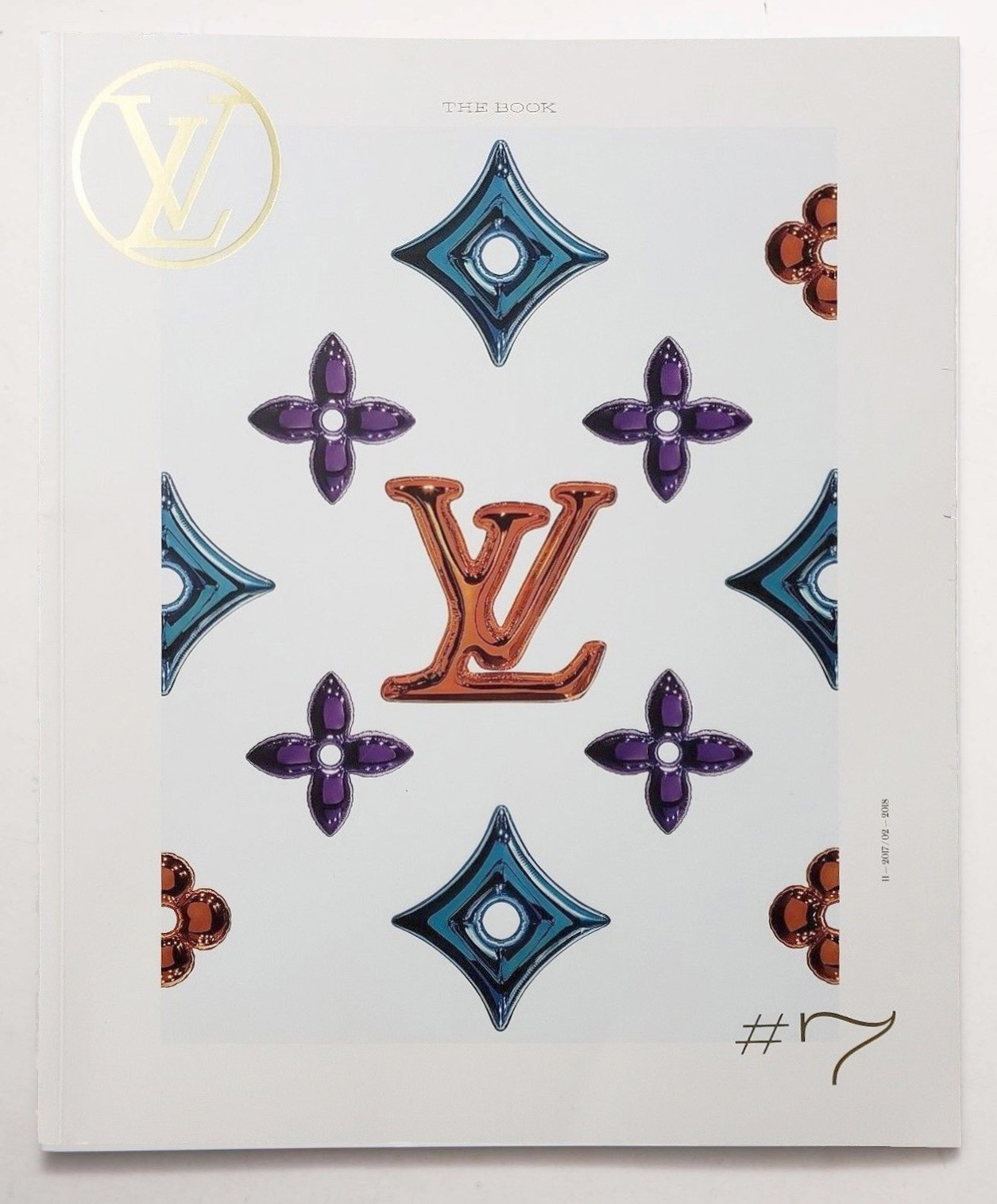 Louis Vuitton Paris The Book #8 Magazine Quarterly Season Fashion Catalog Pret a Porter Ready to Wear RTW Cover Accessories Catalog Maroquinerie Men Women Cover Nicolas Ghesquière Printemps Ete Spring Summer 2018 Place Vendome Gilded Sun